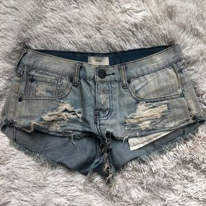 Tobi distressed jean shorts size 0